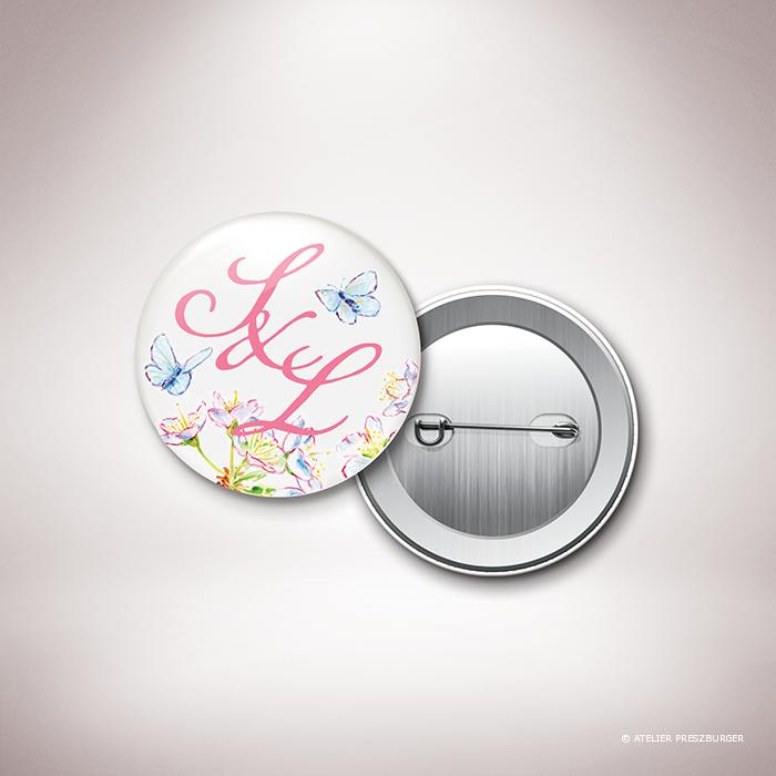 Burlat – Magnet « save the date » de mariage de style bucolique, sur le thème du printemps, illustré de fleurs de cerisier et de papillons à l'aquarelle par Julien Preszburger – Photo non contractuelle