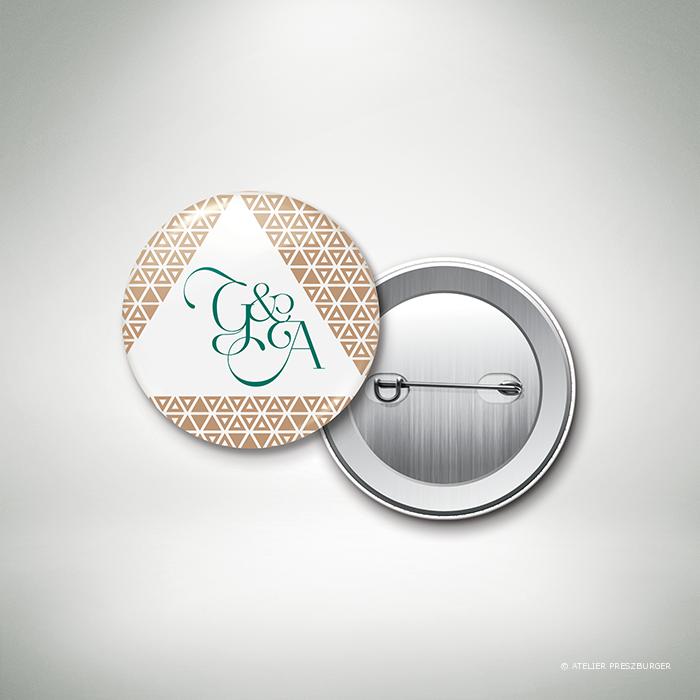 Bucy – Badge de mariage contemporain de style graphique et géométrique par Julien Preszburger – Photo non contractuelle
