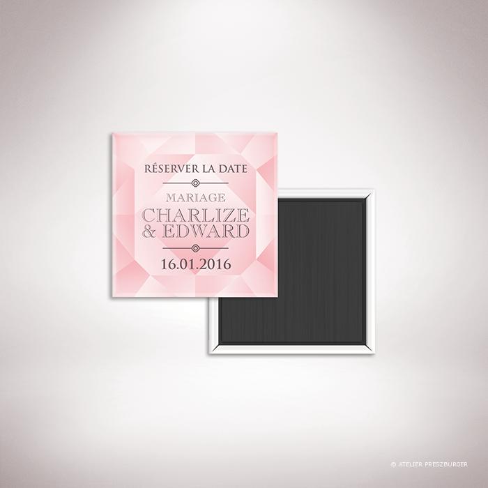 Dionis – Magnet « save the date » de mariage sur le thème des pierres précieuses, illustré d'un diamant rose par Julien Preszburger – Photo non contractuelle
