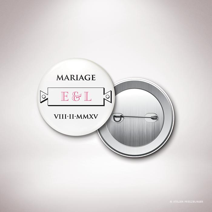 Percy – Badge de mariage classique de style antique par Julien Preszburger – Photo non contractuelle