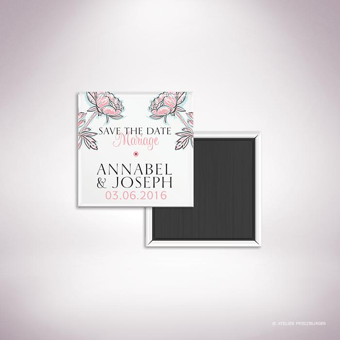 Laroque – Magnet « save the date » de mariage de style floral, sur le thème du printemps, illustré de pivoines par Julien Preszburger – Photo non contractuelle